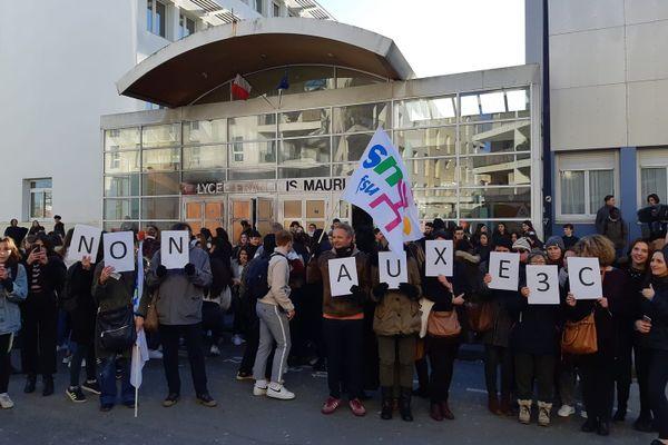 Les enseignants contre la réforme du bac - janvier 2020 Lycée François Mauriac -