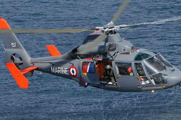 L'hélicoptère Dauphin de la marine nationale