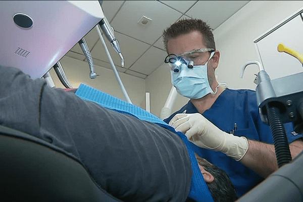 En Bretagne: des permanences de chirurgiens-dentistes les dimanches et jours fériés pour réguler les urgences.