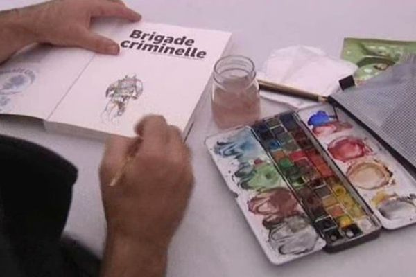 """Le dessinateur tourangeau Titwane dédicace """"Brigade criminelle"""", au festival A Tours de Bulles."""
