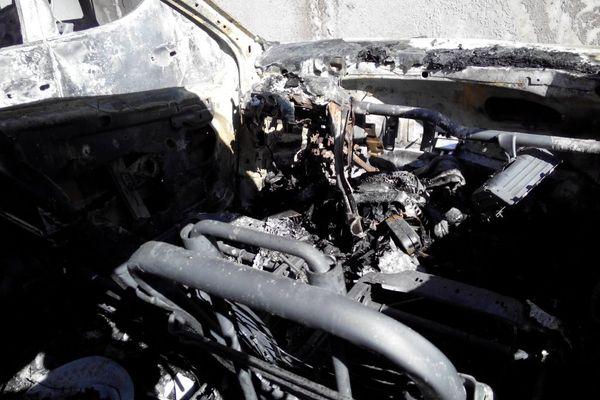 13/03/15 : une douzaine de voitures brûlées en région bastiaise