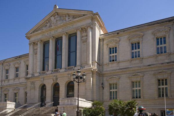 Le Palais de justice de Nice. - Archives