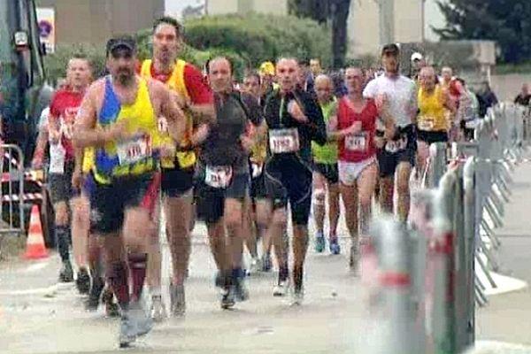 Nîmes - le 21e semi-marathon - 1er mai 2013.