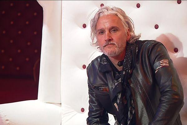 Thomas Kieffer, chanteur, guitariste, interprète, sort un nouvel album