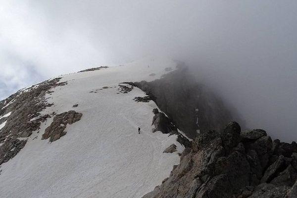Punta Oliveras Arenas - Pico del Medio - Antécime de l'Aneto depuis la punta Oliveras Arenas.