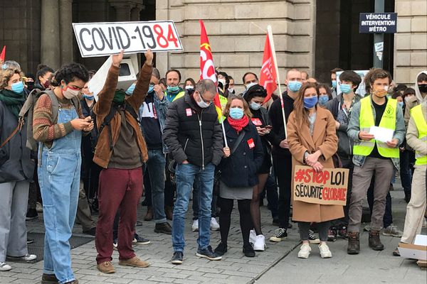 """Plus de 300 personnes à s'opposer à la proposition de loi """"sécurité globale"""" à Rennes"""