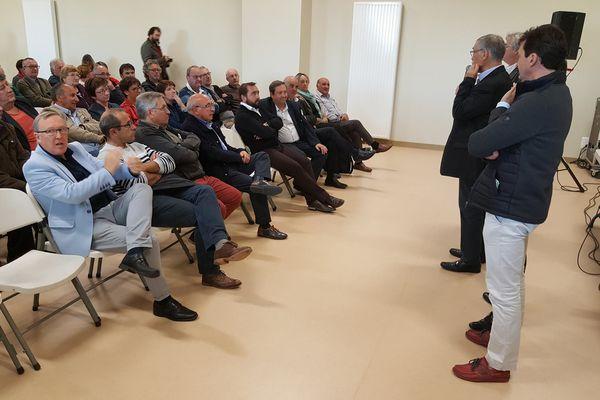 Plusieurs élus creusois réunis à Guéret le 6 octobre 2017