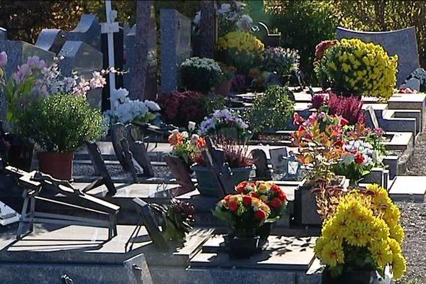 Le cimetière Les Péjoces, à Dijon, le 31 octobre 2017