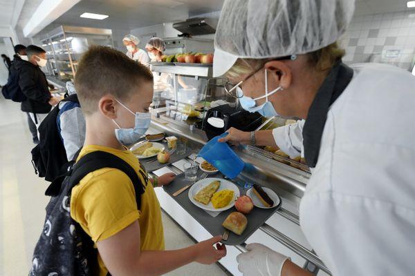 La fermeture des cantines pour limiter la transmission de l'épidémie dans les restaurants scolaires ?