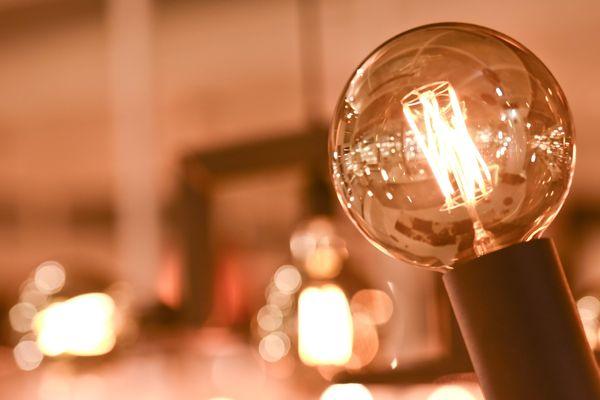 Un éco-geste permet de réduire la consommation électrique pendant les pics.