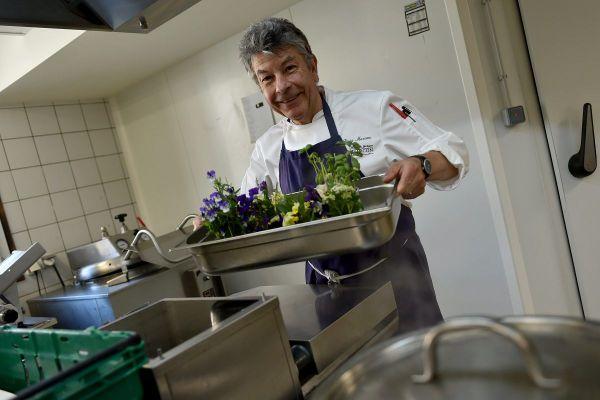 Pour les fêtes de fin d'année, le chef étoilé Régis Marcon a imaginé pour nous un menu festif à moins de 15 euros par personne.