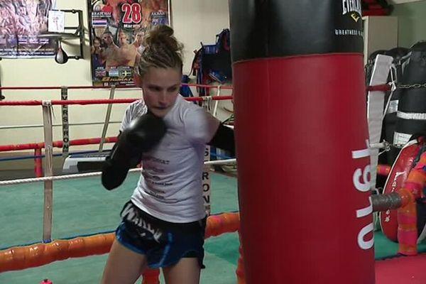 La boxeuse Valentine Roger lors d'un entraînement à Amiens - Mars 2019