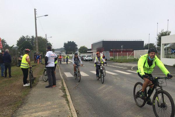 Les salariés de Nokia se sont relayés ce matin à vélo pour relever ce défi des 3.200 km