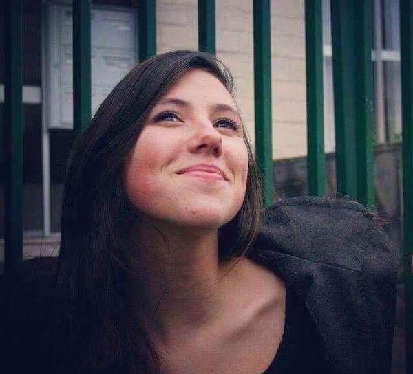 Emma, 23 ans, étudiante en psychologie à l'université de Caen