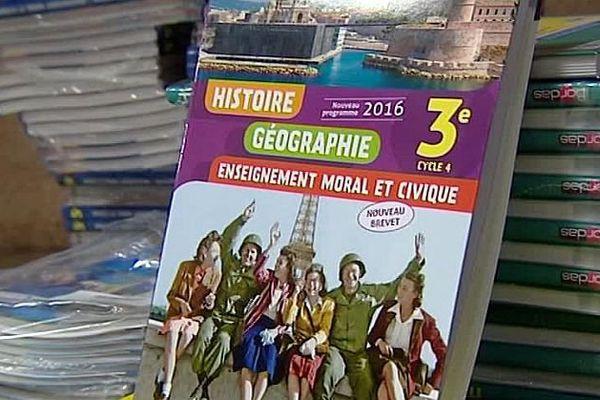 Montpellier - les nouveaux manuels scolaires pour les collèges - 30 août 2016.