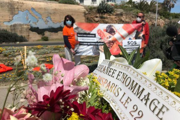 Plusieurs hommages aux migrants disparus en Méditerranée ont eu lieu en France, le premier à Sète dans l'Hérault