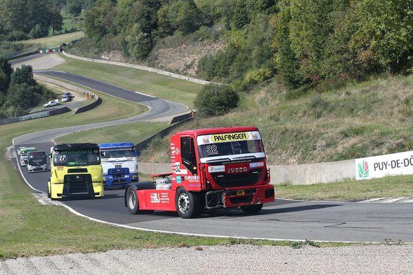 24 pilotes sont en lice pour la 3 ème manche du championnat de France Camions, sur le circuit de Charade, les 7 et 8 septembre 2019. (Photo d'archives)