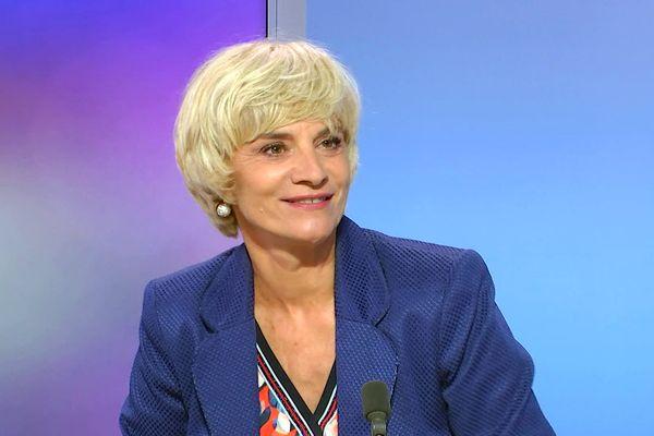 La majorité départementale de gauche conduite par la candidate PS Hélène Sandragné remporte largement les élections dans l'Aude au soir du second tour le 27 juin.