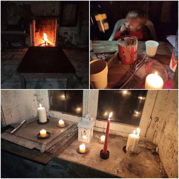 Un feu de cheminée et des chandelles sans autre source de lumière, pour un Noël inoubliable.