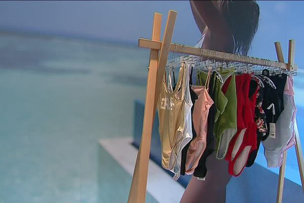 Le maillot de bain s'achète en priorité quand il fait très beau, et très chaud !