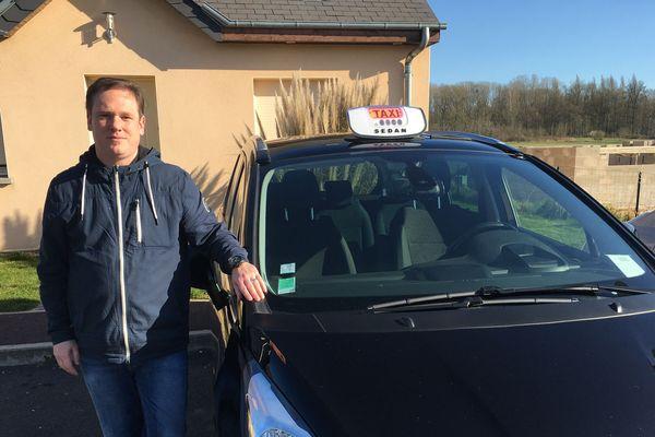 Les clients sont rares pour Christophe Troyon, directeur d'une petite entreprise de taxis à Bazeilles dans les Ardennes.