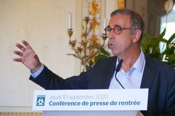 Pierre Hurmic, le nouveau maire de Bordeaux, lors de sa conférence de presse de rentrée le 9 septembre.