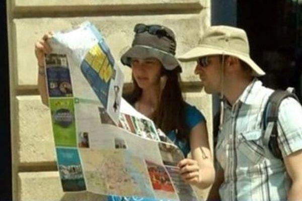 Touristes étrangers à Bordeaux.