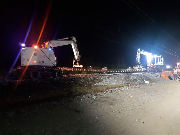 Le chantier se poursuit aussi la nuit.