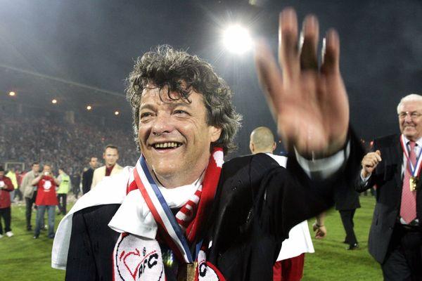 Jean-Louis Borloo au stade Nungesser de Valenciennes (Nord) lors de la montée du VAFC en Ligue 1, le 5 mai 2006.
