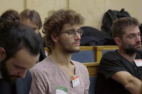 Thomas et Nicolas Dupont (GAEC Vervialle) participant à une table ronde autour de la légalisation du cannabis