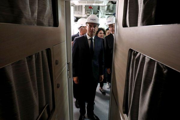 couchettes pour l'équipage /avec  partie hommes et partie Femmes pour la première fois dans  un sous-marin
