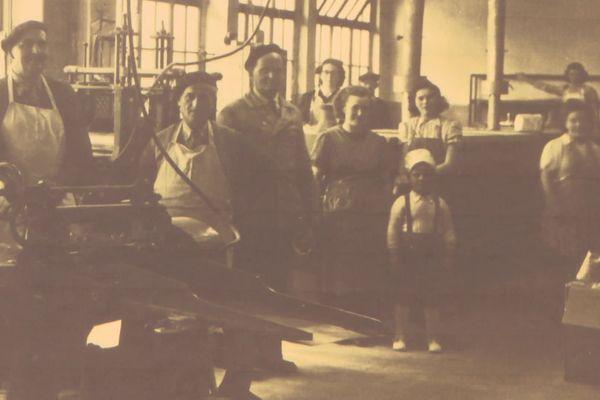 Le papa de l'actuelle directrice est l'enfant de cette photo prise en 1950