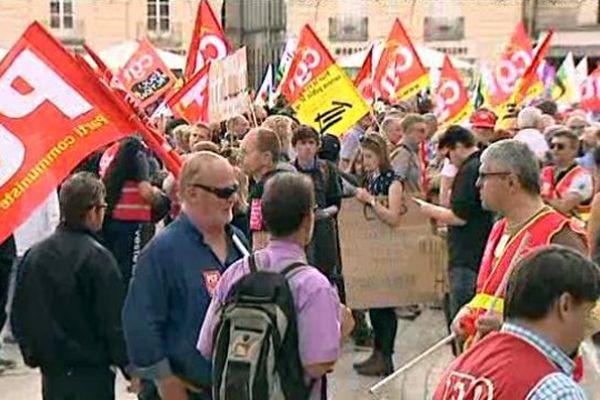 800 personnes ont manifesté à Dijon ce mardi 28 juin 2016, contre la loi El Khomri.