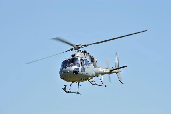 Un hélicoptère Fennec survole Bordeaux depuis mardi 8 décembre, intrigant les Bordelais et les habitants de la métropole car il vole très bas. ( photo d'illustration )