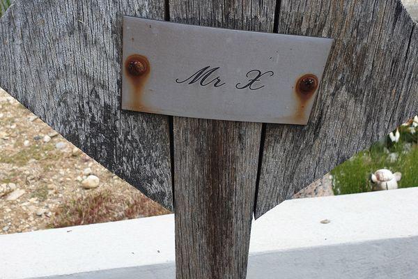 """Cette tombe est celle de """"l'inconnu du lac"""" dans le cimetière d'Aix-les-Bains."""