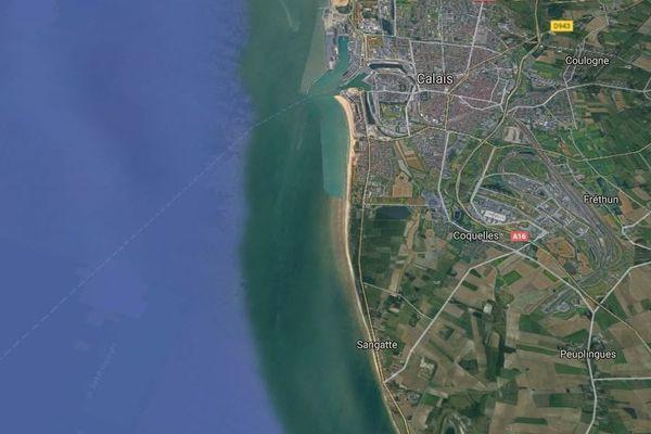 L'opération de sauvetage a eu lieu au large de Calais.