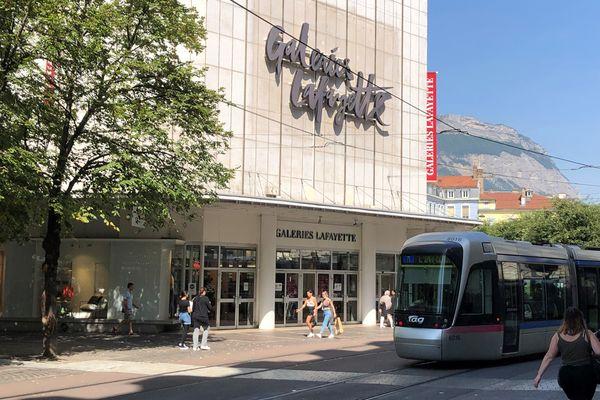 Les Galeries Lafayette de Grenoble devraient être cédées à un groupe lyonnais début 2022.