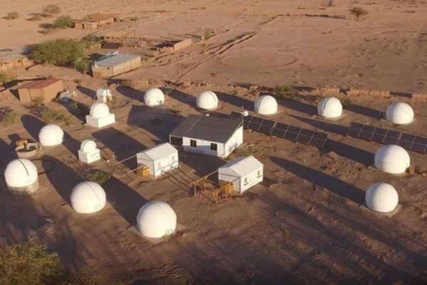 Au Chili, la ferme d'Alain Maury, scientifique à la retraite, qui continue à observer les étoiles.