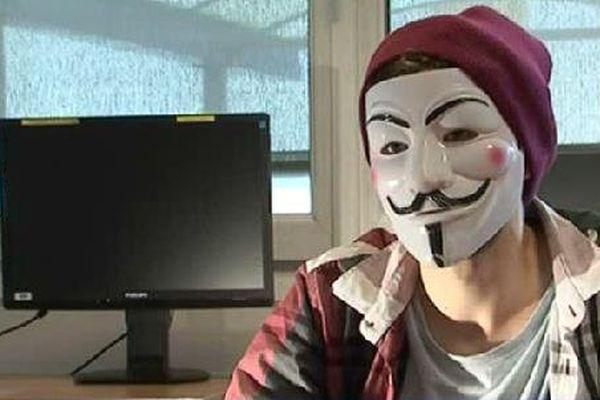 """Un """"Anonymous"""" témoigne."""