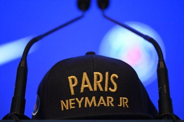 La première conférence de presse du joueur au PSG a eu lieu vendredi.