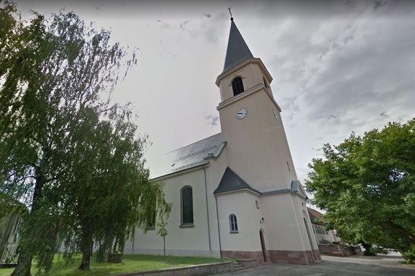 Le presbytère de Reiningue, dans lequel une victime du prêtre se serait suicidée.
