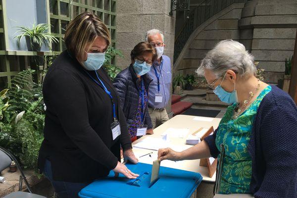 Bureau d vote à Saint-Brieuc