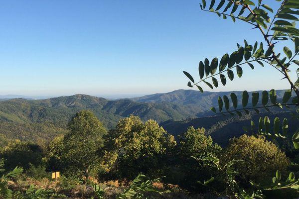 Le Parc national des Cévennes est un territoire rural de moyenne montagne, faiblement peuplé avec une nature encore préservée.