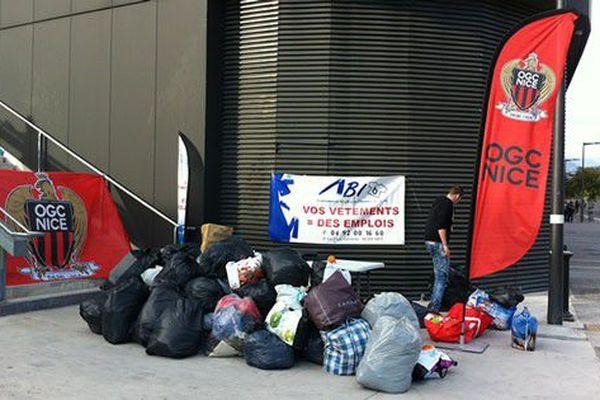 L'OGC Nice renouvelle l'opération de collecte de vêtements et vous donne rendez-vous le 2 mars lors du match Nice-Lille