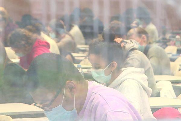 Les étudiants en médecine ont passé les examens partiels du premier semestre à l'Université de Bourgogne
