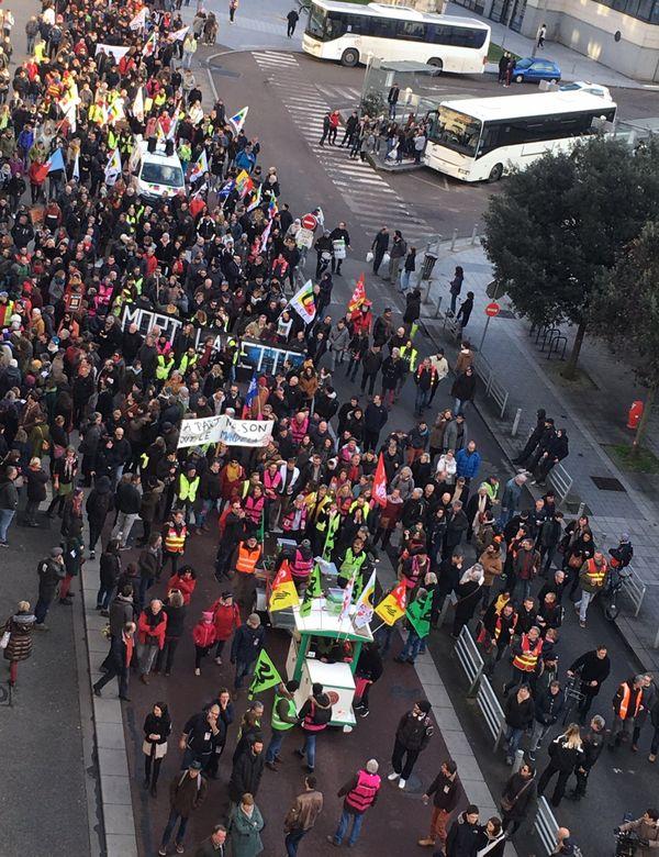 Le cortège a défilé dans les rues de Rouen ce samedi 18 janvier, comme ici dans la rue du Général Giraud.