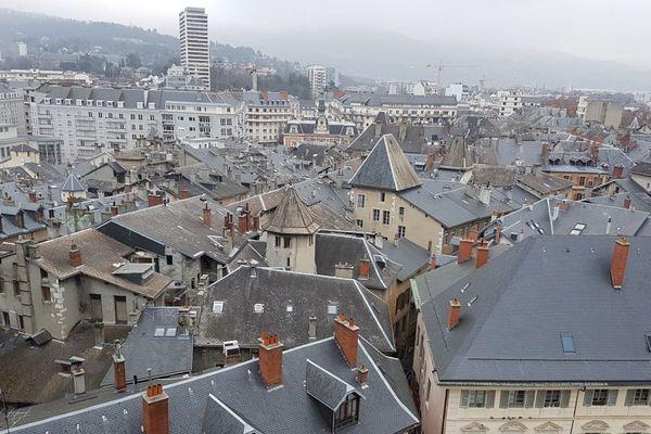 La circulation dans le centre-ville de Chambéry est restreinte en raison d'un pic de pollution.