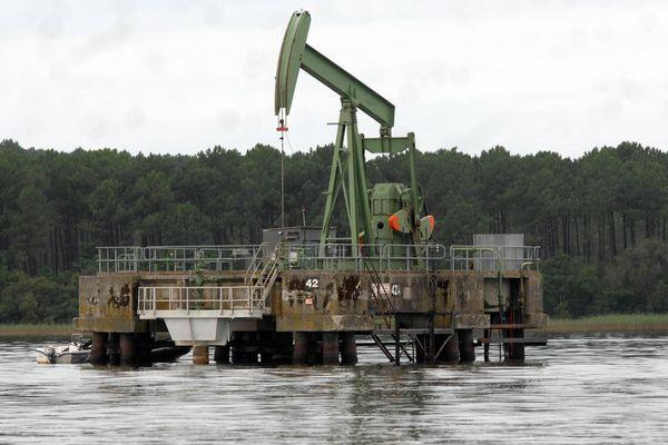 À Parentis-en-Born, dans les Landes, le pétrolier canadien aspire le pétrole depuis les années 50.