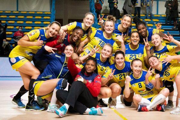 Les handballeuses du Hainaut devront attendre pour rejouer à la salle Maurice-Hugot