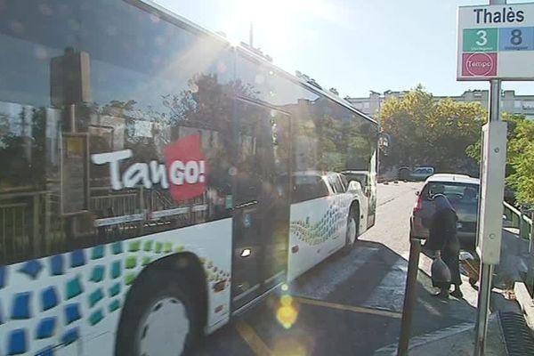 Trois bus ont été caillassés ce lundi en fin de journée das le quartier Valdegour à Nîmes - 24 octobre 2018